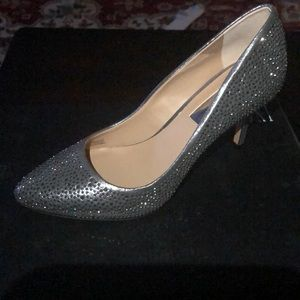 Beads silver shoes